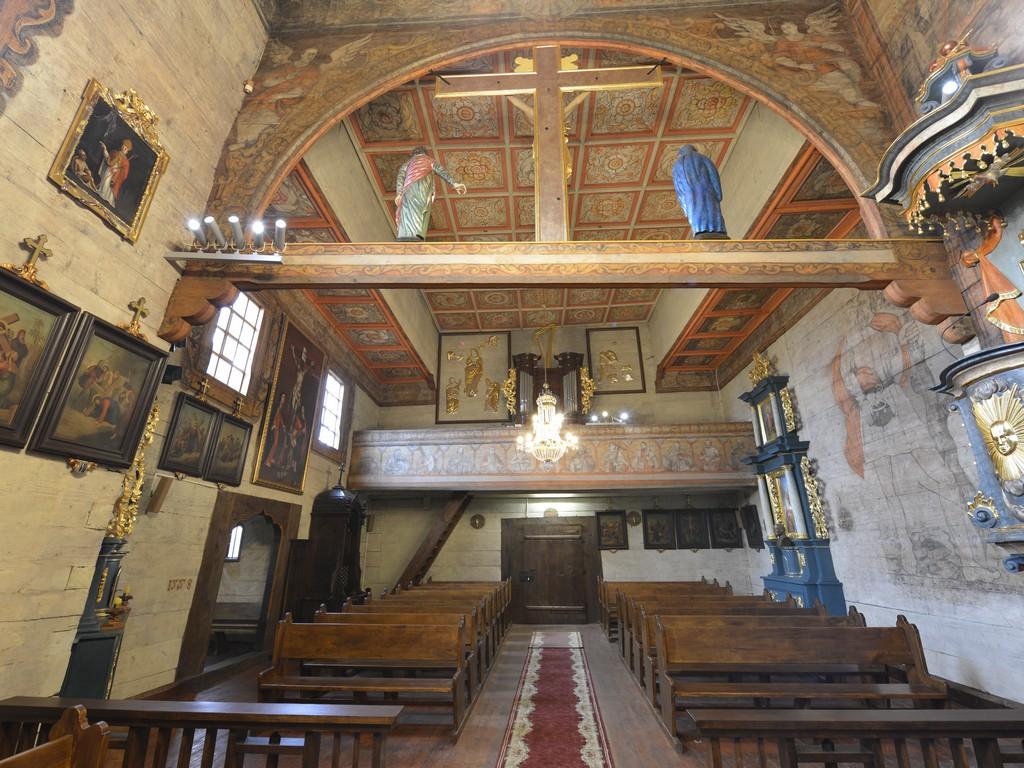 Read more about the article Kościół w Trzcinicy wewnątrz